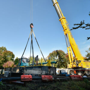Sautter Crane Image - Barge Lift (2 of 9)