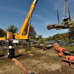 Sautter Crane Image - Barge Lift (6 of 9)
