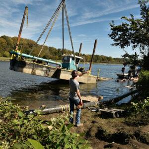 Sautter Crane Image - Barge Lift (8 of 9)
