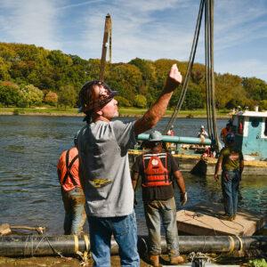 Sautter Crane Image - Barge Lift (9 of 9)